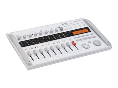 Zoom R16 16-Channel Multitrack Recorder