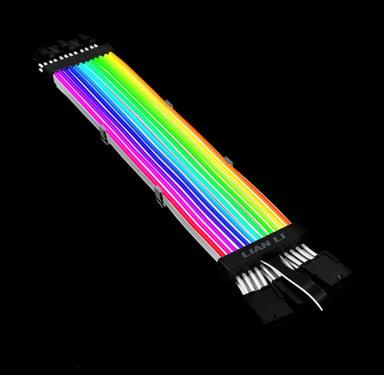 Lian-Li Strimer Plus triple 8 pins RGB Hvit