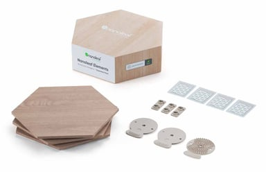 Nanoleaf Elements Wood Lock Hexagones -laajennuspaketti, jossa 3 paneelia
