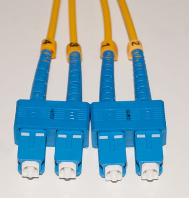 Direktronik Kytkentäkaapeli SC/UPC SC/UPC 5m 5m