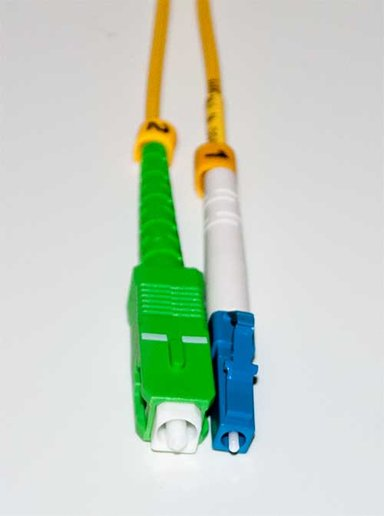 Direktronik Fiberoptisk kabel SC/APC LC/UPC OS2 5m 5m