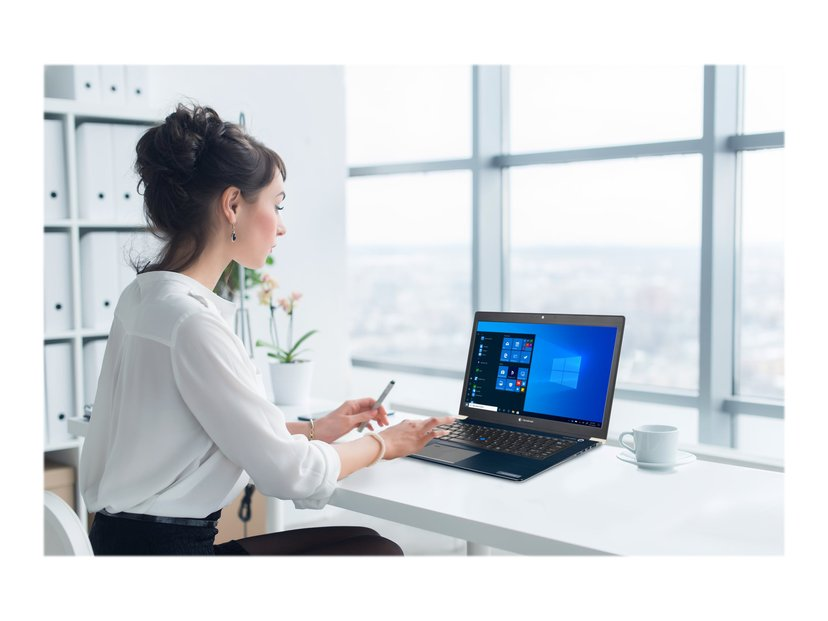 "Toshiba dynabook Dynabook Portégé X40-G-121 Core i7 16GB 512GB SSD 4G 14"""