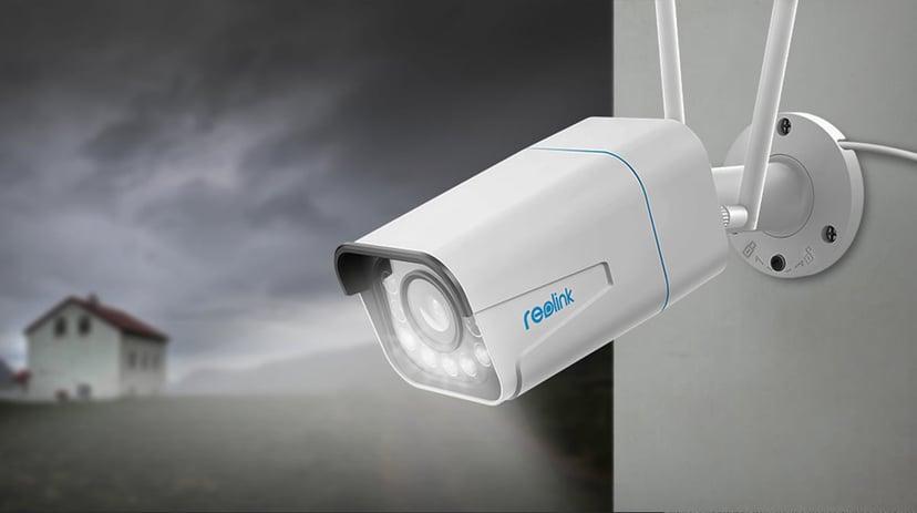Reolink RLC-511WA Wireless Bullet Spotlight Camera