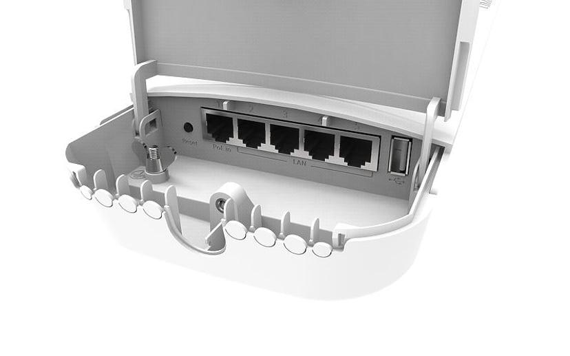 Mikrotik Omnitik 5 AC Wireless Access Point 802.11AC 2X7.5dB